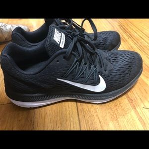 Nike Zoom Winflow 5 Sneakers